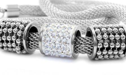 Dlaczego warto kupować biżuterię ze stali chirurgicznej?